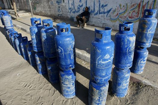 Egypt-gas-garbage-shortage-methane-butane-12-06-11[1]