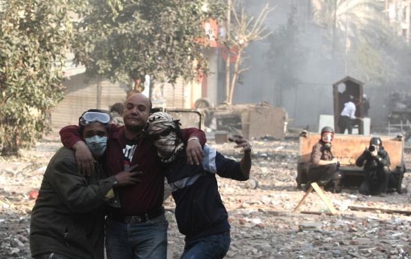 Egypt-tear-gas[1]