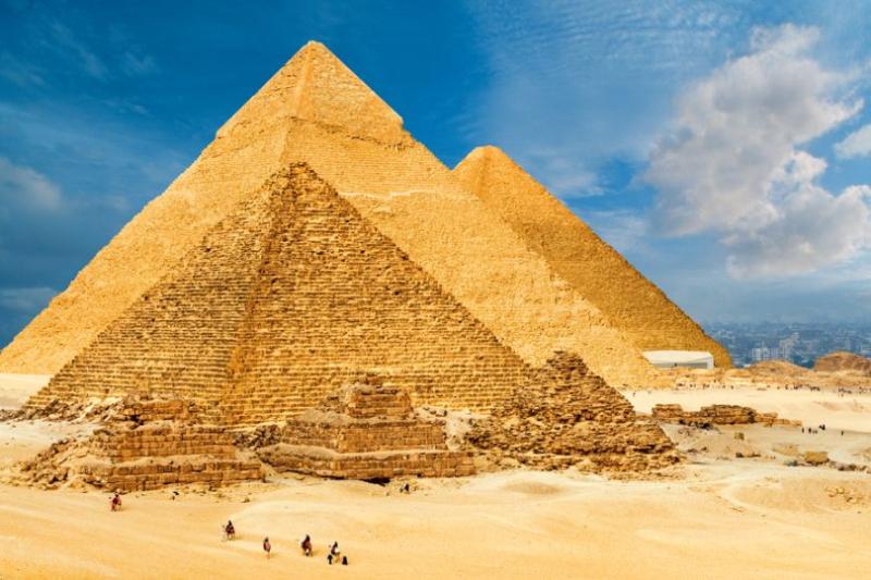 Giza-Pyramids-810x540