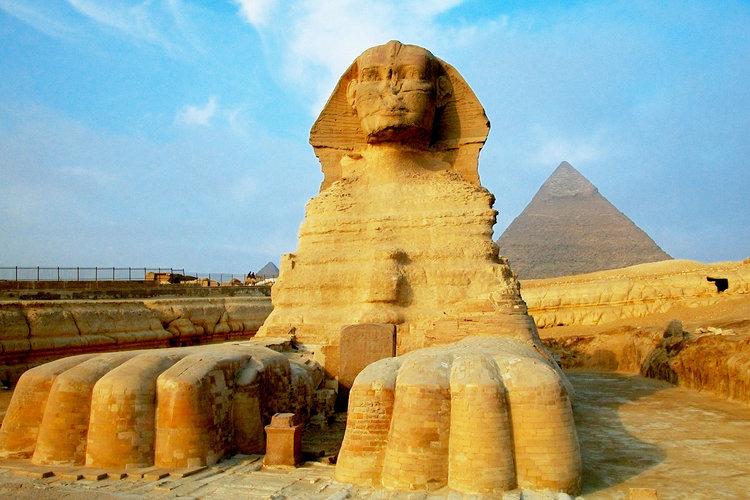 Jet-set-egypt-pyramids